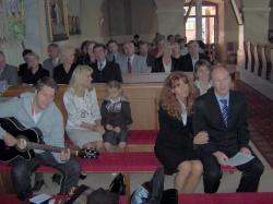 śpiewamy pieśń przed przyjęciem Karty.jpg - Prijatie Charty 1.10.2011