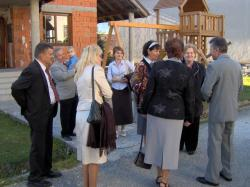 przywitanie z małżeństwami ze Słowacji przed Eucharystią.jpg - Prijatie Charty 1.10.2011