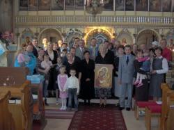 wszyscy razem podczas pamiątkowego zdjęcia.jpg - Prijatie Charty 1.10.2011