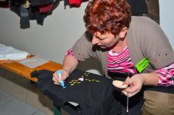 DSC_0590.JPG - Vzájomné manželské obdarovanie sa vlastnoručne namaľovaným tričkom