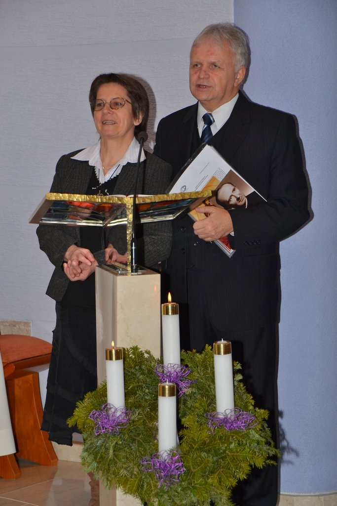DSC_0680.JPG - Prijatie Charty 8.12.2013