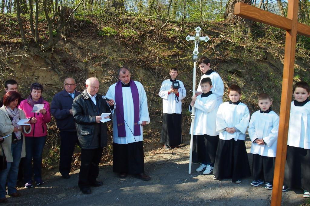 Ja3P_Krížová cesta-14-002.JPG - Krížová cesta ku kaplnke na Kalváriu