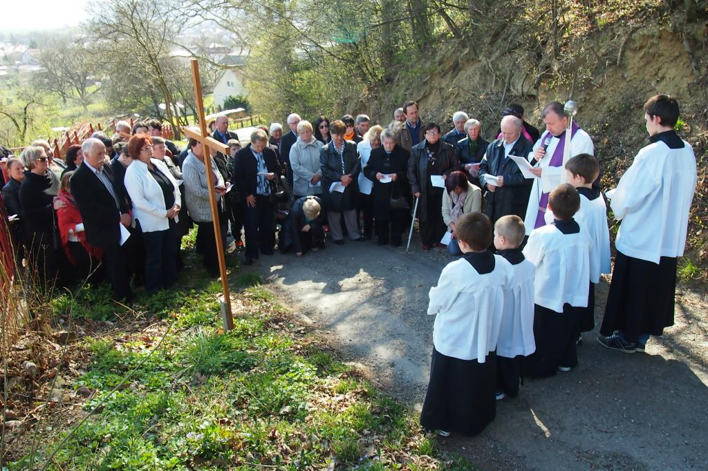 Ja3P_Krížová cesta-14-004.JPG - Krížová cesta ku kaplnke na Kalváriu
