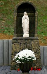 Ja3P_C-13.001.JPG - Nový kríž a socha Panny Márie - posvätenie 2013
