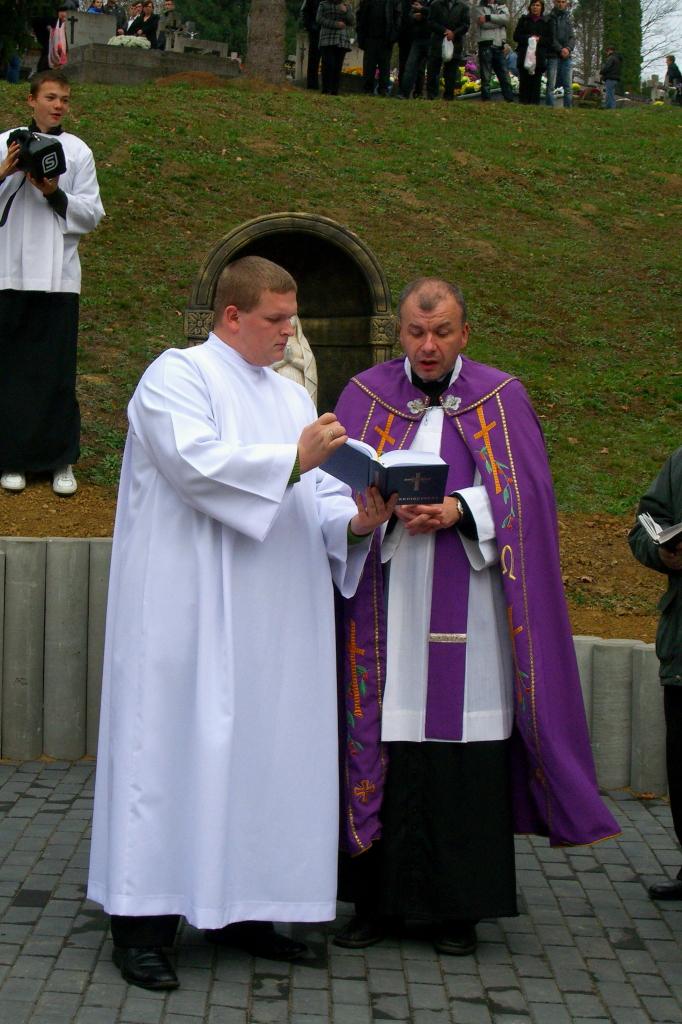 Ja3P_C-13.003.JPG - Nový kríž a socha Panny Márie - posvätenie 2013