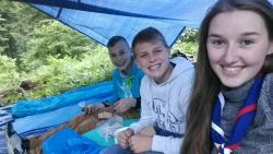 Súťaž o najlepšiu družinu zboru - Pripravili sme si vlastný prístrešok v lese.